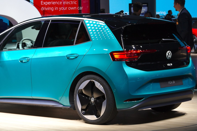 Fotografía de auto eléctrico de Volkswagen