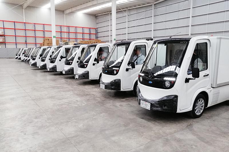 Fotografía de vehículos eléctricos de carga de la empresa eZero